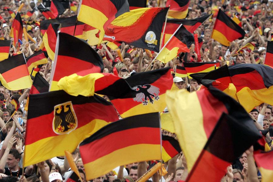 Creative Commons image from http://de.wikipedia.org/wiki/Fu%C3%9Fball-Weltmeisterschaft_2006#mediaviewer/Datei:Berlin_Football_Globe-night1.JPG
