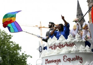 The US Embassy had a float celebrating marriage equality. Photo: http://www.sueddeutsche.de/panorama/christopher-street-day-in-berlin-demo-fuer-die-ehe-fuer-alle-1.2540886-3